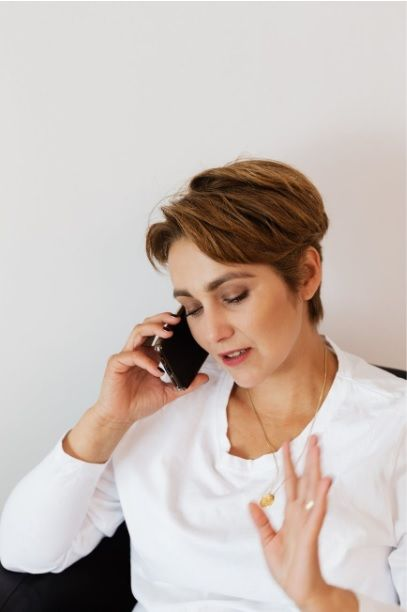 4 Reasons Why You Should Never Answer Unknown Callers