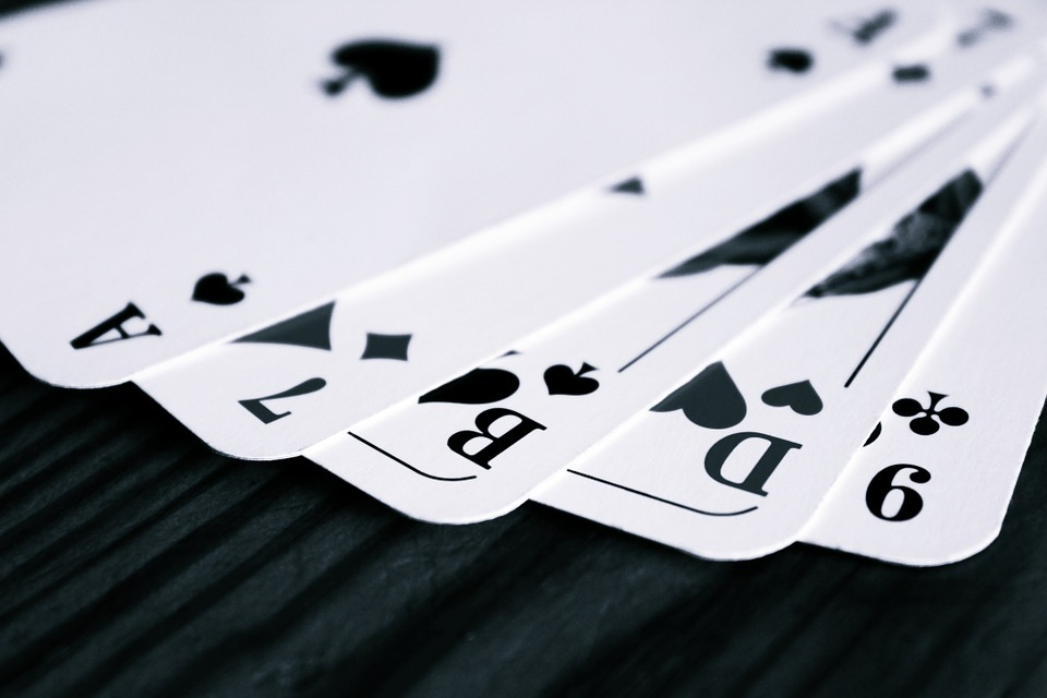 5 Reasons Why a Business Think Tank Should Play Rummy
